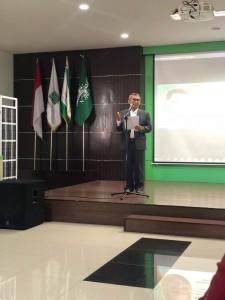Rektor Unusa saat memberikan sambutan dan membuka acara Kuliah Tamu